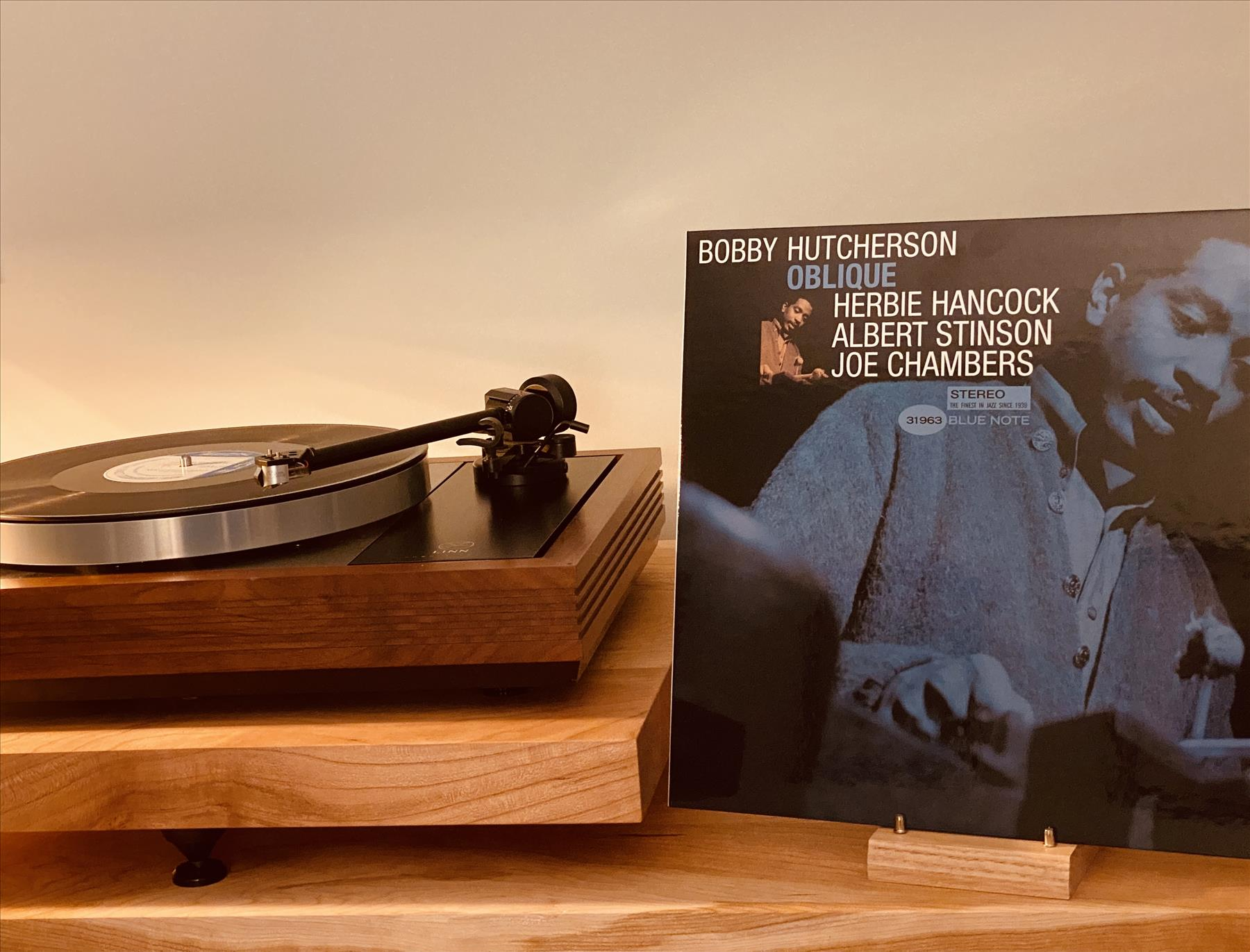 Bobby Hutcherson: oblique? Pretty straight-ahead Jazz